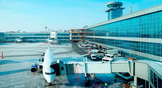 Domodedovo Airport served 30,5 Million passengers in 2015.